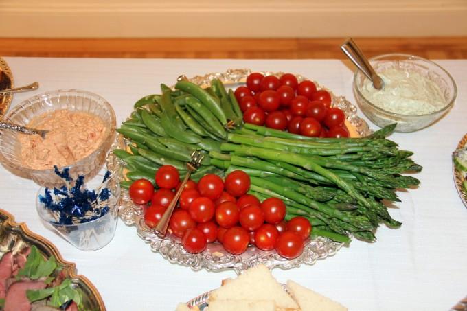 platter of crudites for dip
