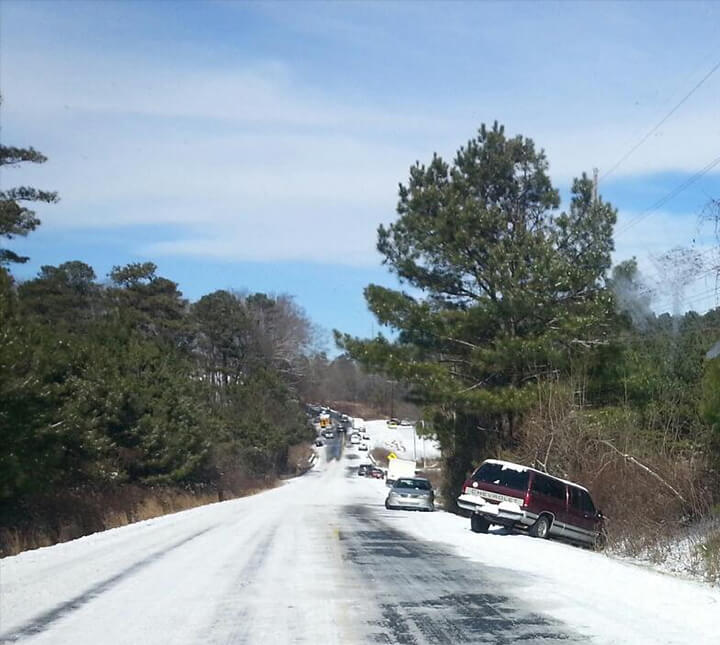 Cars on the side of the road after Atlanta snow 2014.