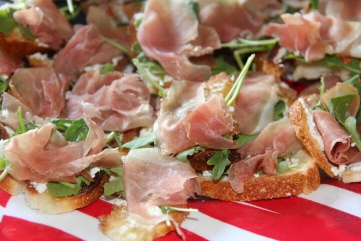 Prosciutto Appetizer—this super easy appetizer will be a hit at your next party!