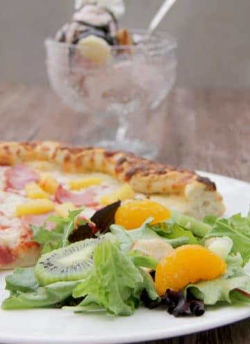 Hawaiian Salad and Freschetta Pizza