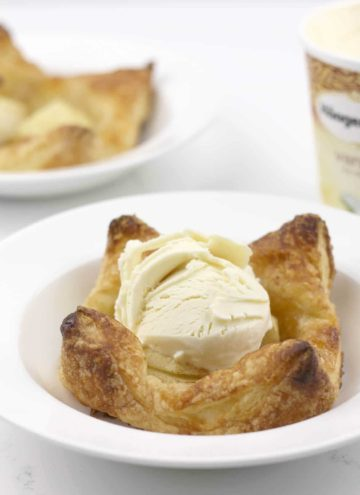 Apple Tarts – Easy, Weeknight Dessert!