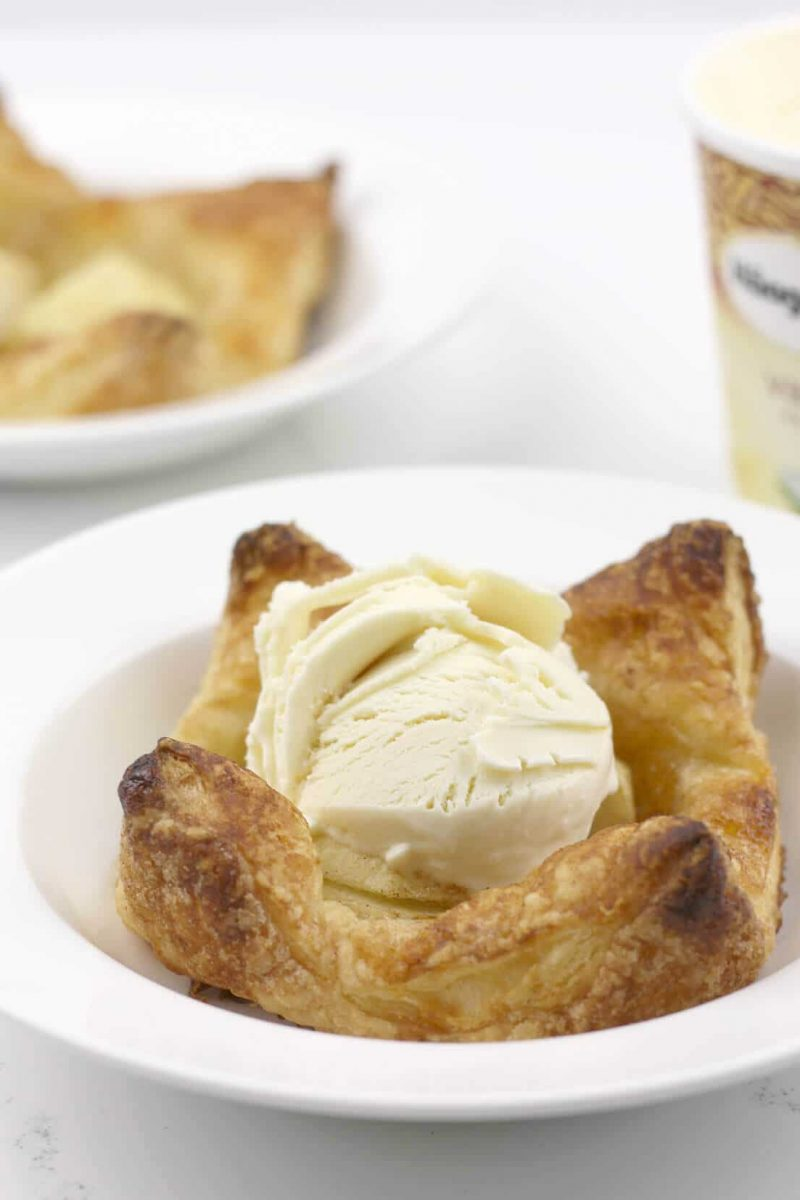 Apple Tarts – Easy, Weeknight Dessert!