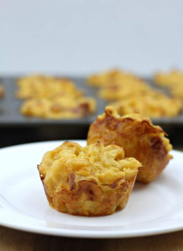 Mac and cheese muffins on plate