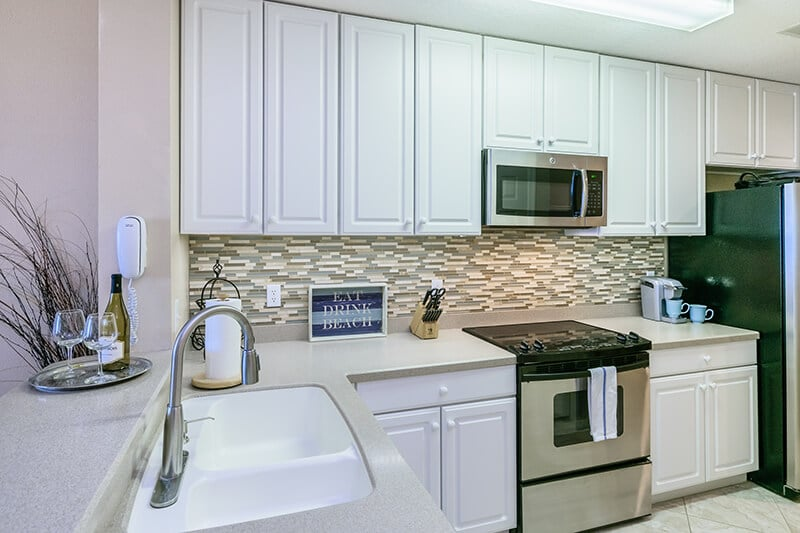 Well-appointed kitchen in the Amelia Island rentals.