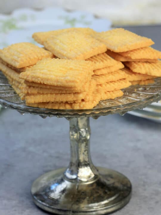 Cheese Straws — crispy, buttery, homemade crackers that are easy to make and a great appetizer!